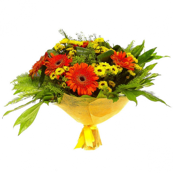 Букет цветов из желтой кустовой хризантемы, рыжей герберы, коккулюса, аспидистр и амбреллы №30 с доставкой.