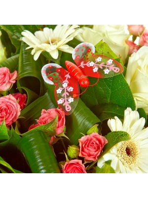 Букет цветов из белой герберы, розовых кустовых роз, папоротника, аспидистр и белых роз №40 с доставкой.