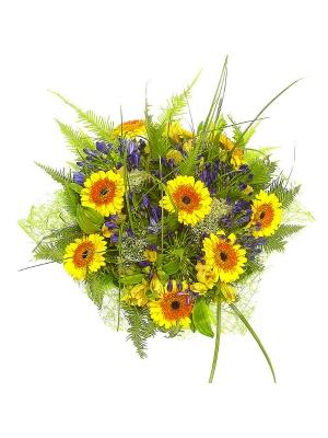 Букет цветов из желтой альстромерии, белого трахелиума, синего агапантуса и желтой герберы №46 с доставкой.