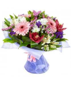 Букет цветов из белой альстромерии, розовой герберы, белой кустовой хризантемы и розовой орхидеи №51 с доставкой.
