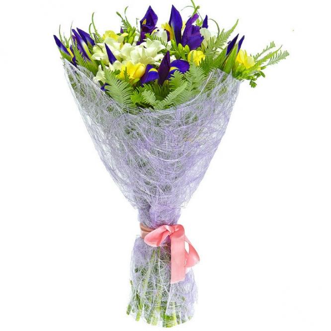 Букет цветов из синего ириса, амбреллы, салала, а также белой и желтой фрезии №12 с доставкой.