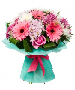 Букет цветов из розовой веточной хризантемы. розовых герберы, роз и альстромери, а также белой хризантемы с доставкой.