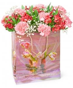 Композиция цветов из красной альстромерии (5 штук), розовой гвоздики (8 штук) и декоративной зелени с доставкой по Киеву.