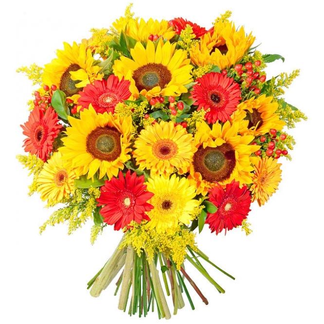 Букет цветов из оранжевых подсолнухов (7 штук), красной и желтой герберы (13 штук) и декоративной зелени с доставкой.