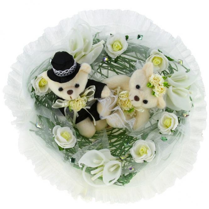 Свадебный букет из мягких игрушек медвежат (2 штуки h 9 см.)