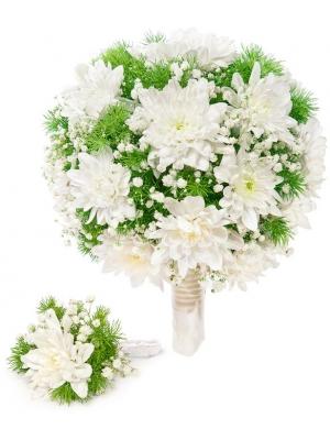 Свадебный букет невесты из белой хризантемы, гипсофилы, декоративной зелени, а также бутоньерка с доставкой по Киеву.