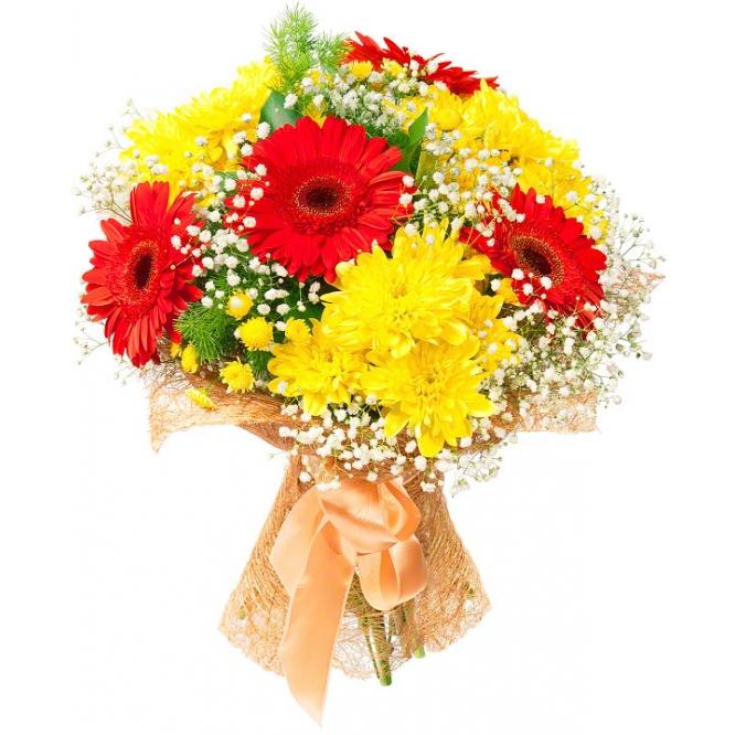 Букет цветов из желтой кустовой хризантемы (7 веток), красной герберы (4 штуки), гипсофилы и декоративной зелени с доставкой.