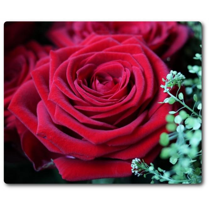"""Поштучно красные розы """"Гран При"""" (экстра класс, 70 сантиметров, на фото 21 штука) с доставкой по Киеву."""