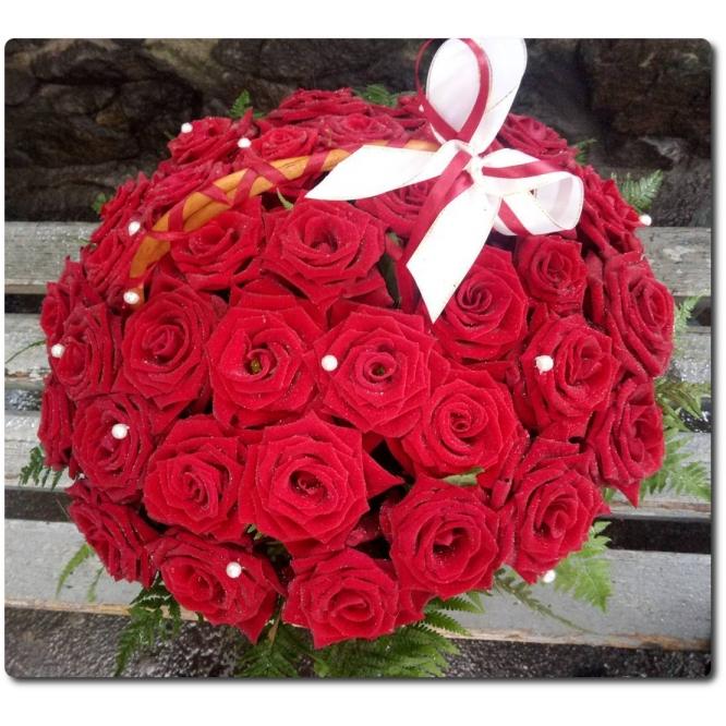 Шикарная корзина из роз (экстра класс, 35 штук) с доставкой по Киеву.