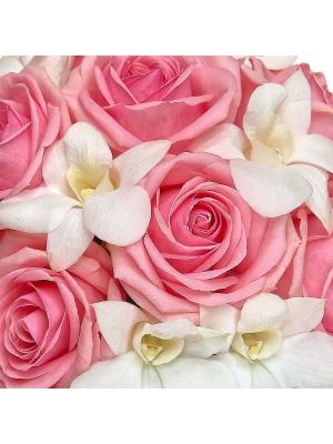 """Свадебный букет невесты из розовых роз, рускуса и белой орхидеи """"Дендробиум"""" №11 с доставкой."""
