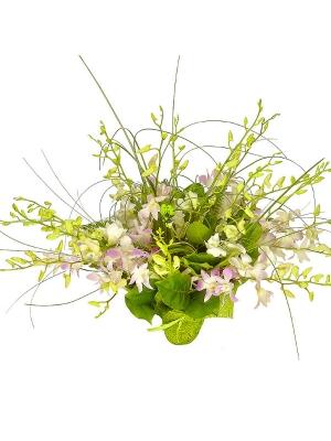 """Букет цветов из розовой и белой орхидеи """"Дендробиум"""", берграсса, салала и амбреллы №18 с доставкой."""