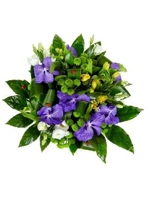 """Букет цветов из синей орхидеи """"Ванда"""", желтой альстромерии, зеленой хризантемы и белого лизиантуса №34 с доставкой."""