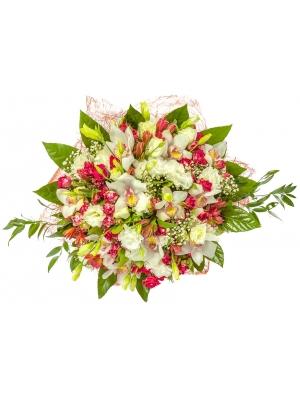 """Букет цветов из белой орхидеи """"Цимбидиум"""", белого лизиантуса (эустомы), альстромерии и кустовых роз №50 с доставкой."""