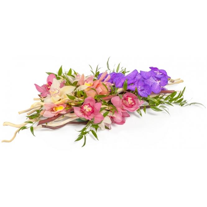"""Букет-композиция из разноцветной орхидеи """"Цимбидиум"""", корилуса и синей орхидеи """"Ванда"""" №105"""