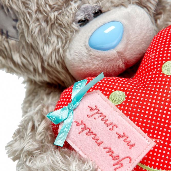 """Плюшевый мишка из красным сердцем """"Ты заставляешь меня улыбаться"""" (30 см.)."""