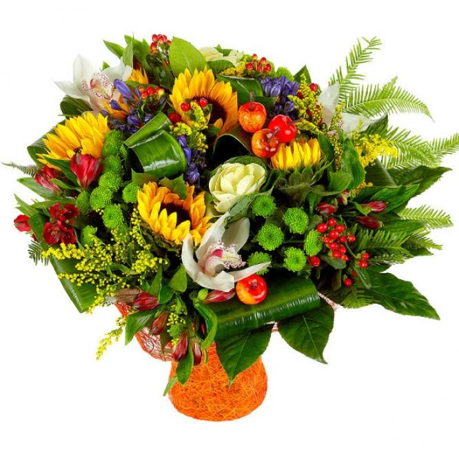 Букет цветов из темно-желтого подсолнуха, красной альстромерии, зеленой хризантемы и белой орхидеи №4 с доставкой.
