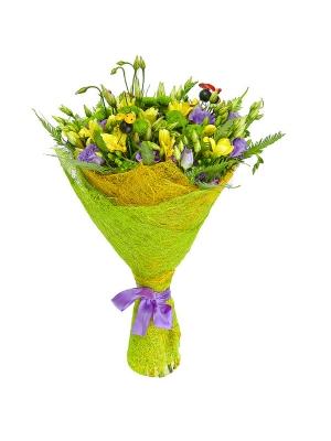 Букет цветов из зеленой хризантемы, голубого лизиантуса, салала, амбреллы и желтой фрезии №16 с доставкой.