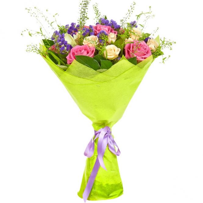 Букет цветов из розовых, белых и кремовых роз, салала, теласпии и статицы №35 с доставкой.