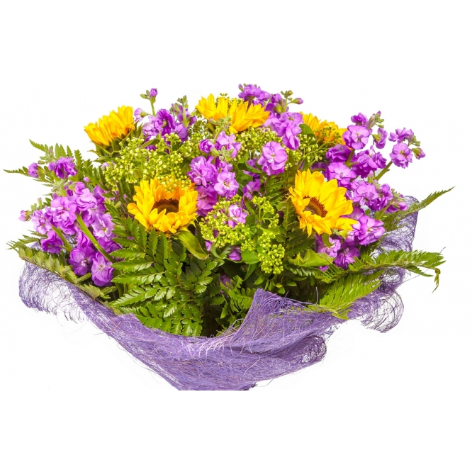 Букет цветов из темно-желтого подсолнуха (гелиантуса), матиолы, алхемиллы  и папоротника №52 с доставкой.