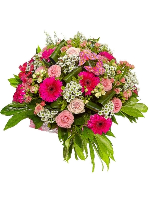 Букет цветов из роз, белой хризантемы, малиновой гереберы и амбреллы №31 с доставкой.