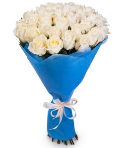 Букет цветов из белых роз №2 (45 шт.) с доставкой.