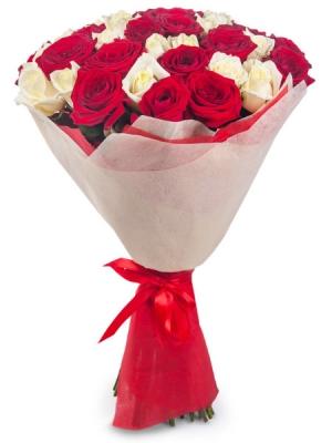 Букет цветов из белых и красных роз №3 (45 шт.) с доставкой.