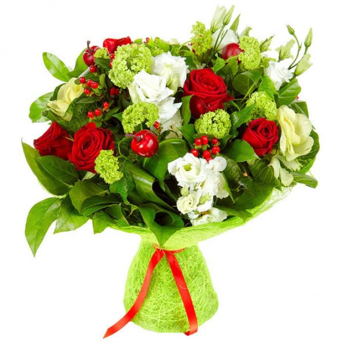 Букет цветов из красных роз, белого лизиантуса  и красного гиперикума №42 с доставкой.
