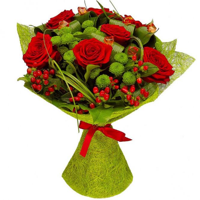 Букет цветов из красных роз (7 шт.) и зеленой хризантемы (5 шт.) №1 с доставкой.