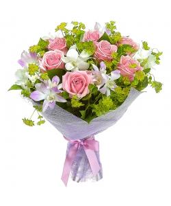 Букет цветов из розовых роз (9 шт.), зелени и орхидеи Дендробиум №1 с доставкой.