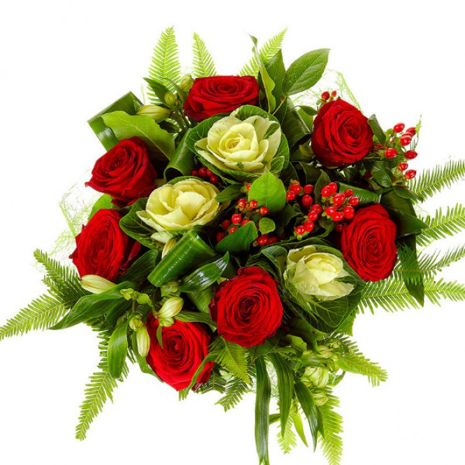 Букет цветов из белой альстромерии, красных роз, красного гиперикума и аспидистр №59 с доставкой.