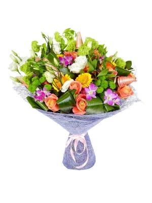 Букет цветов из зеленой хризантемы, желтой герберы, разноцветных роз, розовой орхидеи и альстромерии №70 с доставкой.