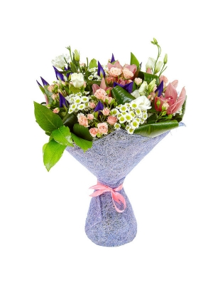 Букет цветов из белой хризантемы, синих ирисов, розовых кустовых роз, белого лизиантуса и орхидеи №76 с доставкой.