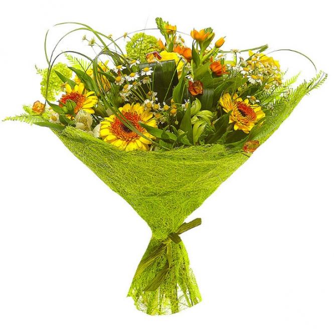 Букет цветов из белой альстромерии, желтой герберы, ромашек, желтых роз и рыжего орнитогалума №86 с доставкой.