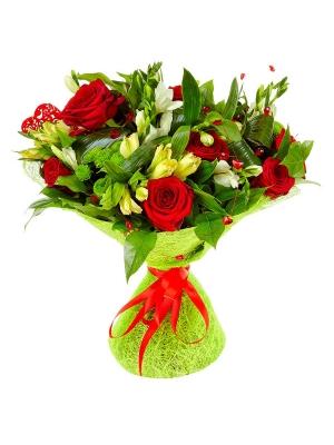 Букет цветов из желтой альстромерии, зеленой хризантемы, красных роз и белой фрезии №92 с доставкой.