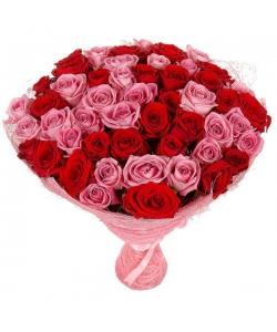 Букет цветов из розовых и красных роз (51 шт.) №98 с доставкой.
