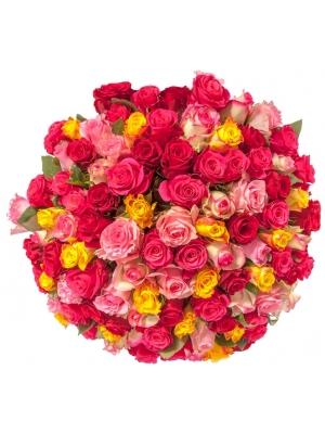 Букет цветов из разноцветных роз (101 шт.) №119 с доставкой.
