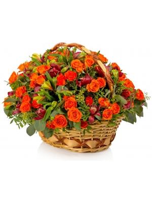 """Букет-корзина из оранжевой розы """"Бейб"""", зеленой альстромерии и красной орхидеи """"Цимбидиум"""" №96"""