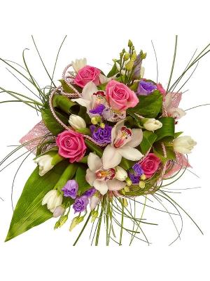 Букет цветов из розовых роз, белых тюльпанов, белой орхидеи и голубого лизиантуса №5 с доставкой.