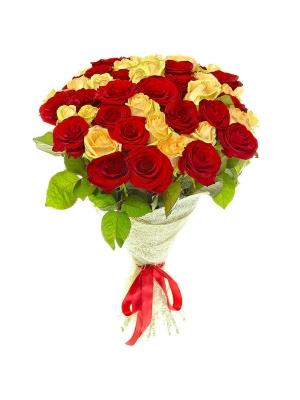 Букет цветов из розовых и красных роз №19 (51 шт.) с доставкой.
