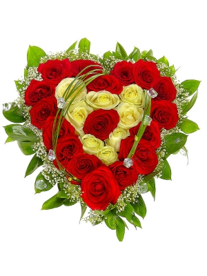 Букет-сердце из красных и белых роз №10