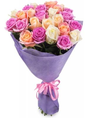 Букет цветов из кремовых, белых и розовых роз №1 (25 шт.) с доставкой.