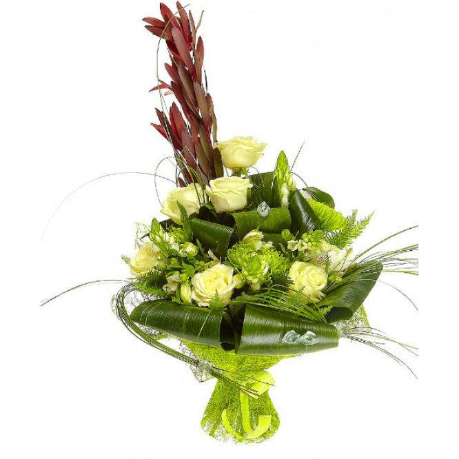 Букет цветов из белой альстромерии, зеленой хризантемы и белых роз №22 с доставкой.