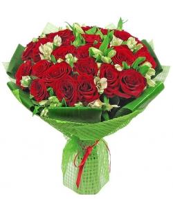 Букет цветов из красных роз (25 шт.) и альстромерии №8 с доставкой.