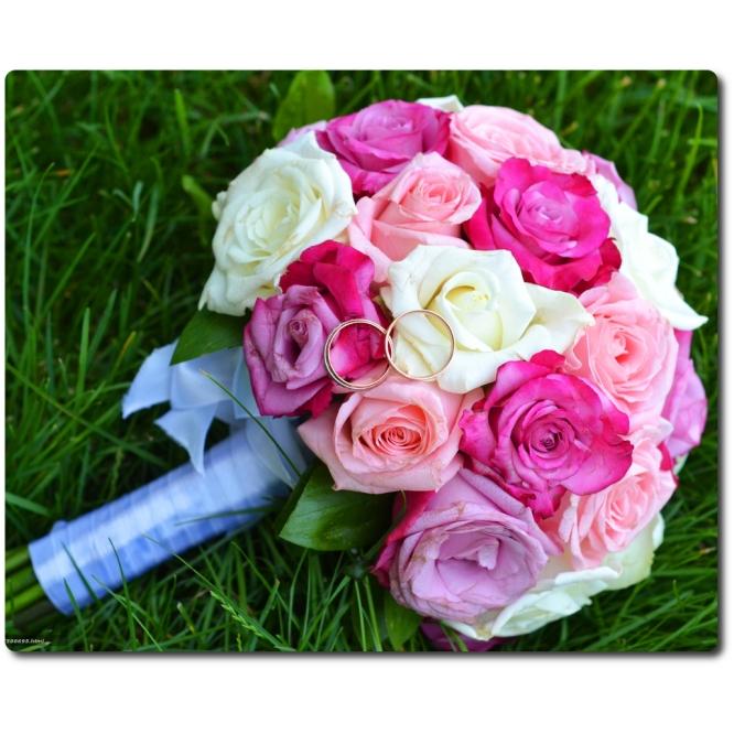 Свадебный букет невесты из разноцветных роз (27 штук) с доставкой по Киеву.