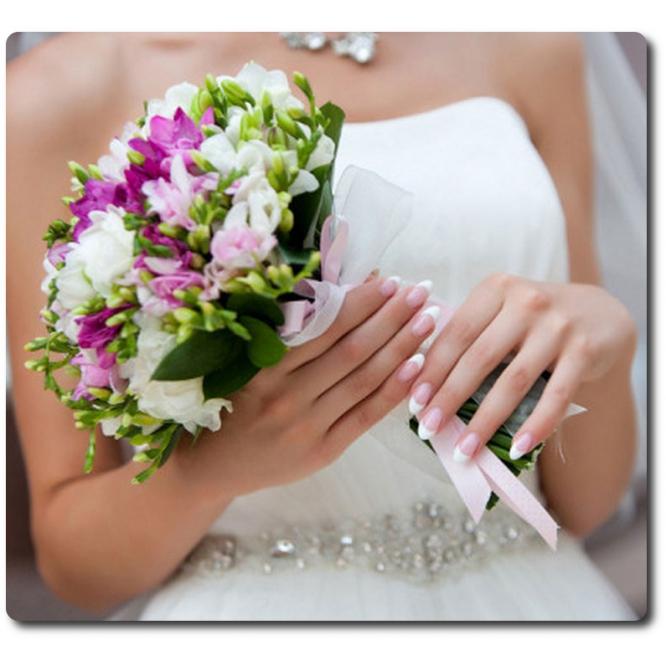 Свадебный букет невесты из разноцветной фрезии (25 веток) и декоративной зелени с доставкой по Киеву.