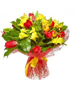 Букет цветов из желтой фрезии, салала и красных тюльпанов №32 с доставкой.